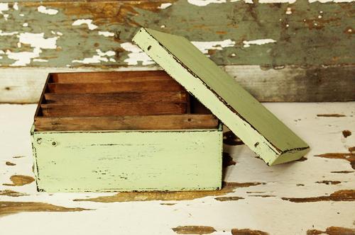 mint green milk paint