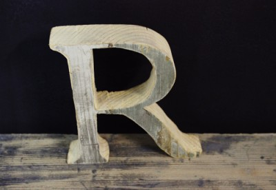 wooden letter R by Renovatura