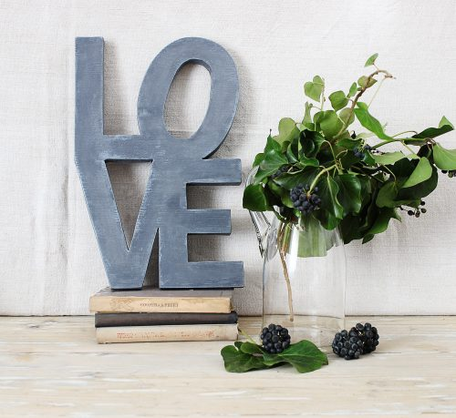 LOVE_wooden letters by renovatura