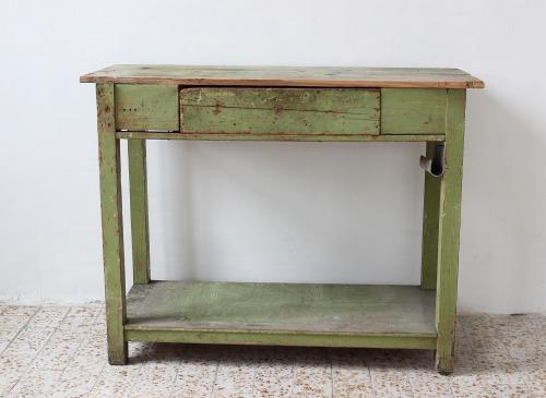 muhely-asztal