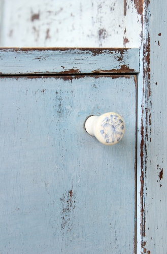 cupboard knob by abodent