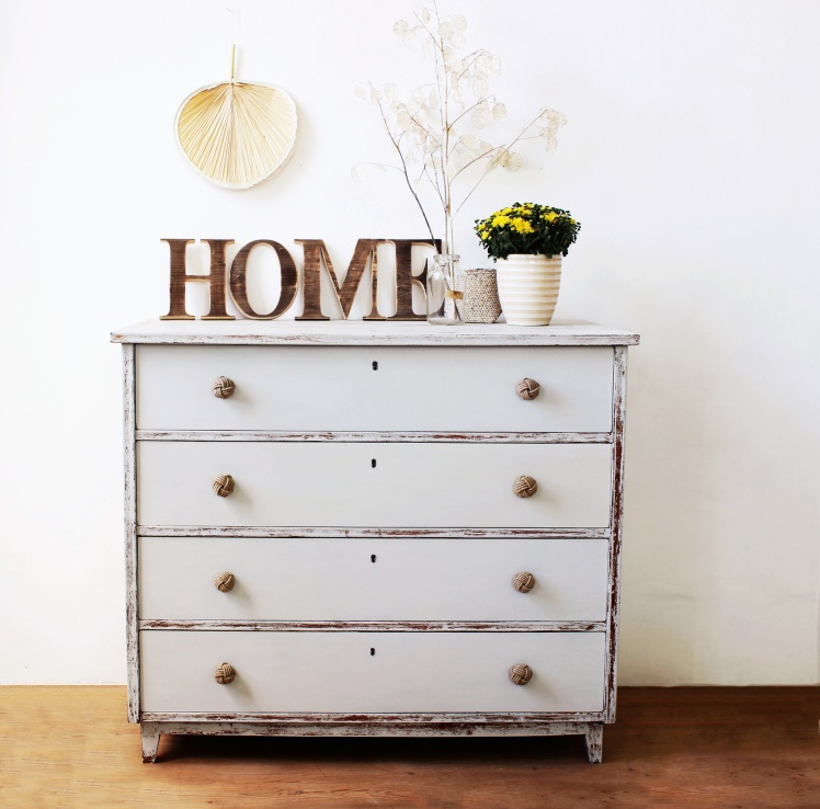 Chest of drawers painted in grain sack MMS milk paint by Renovatura