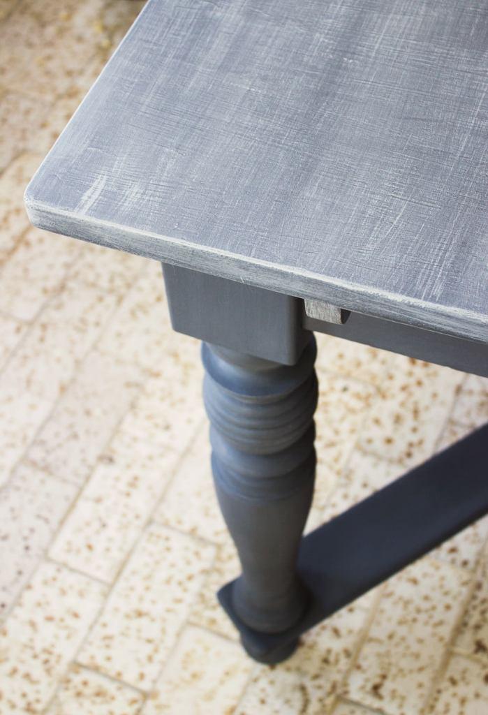szürke paraszt asztal